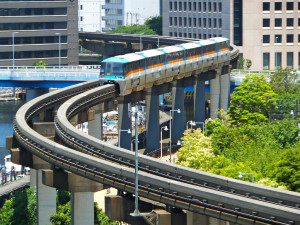 электричка в Токио